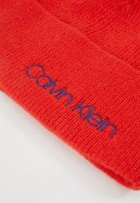 Calvin Klein - BOILED BEANIE - Čepice - red - 4