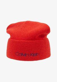 Calvin Klein - BOILED BEANIE - Čepice - red - 3