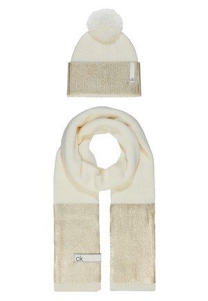 LAMINA GIFTBOX  SCARF BEANIE SET - Sjal - white