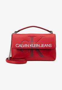 Calvin Klein Jeans - SCULPTED MONOGRAM FLAP - Handtasche - red - 5