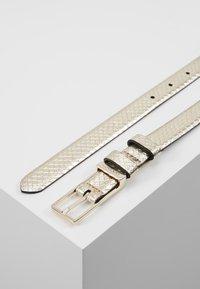 Calvin Klein - WINGED BELT - Belt - beige - 2