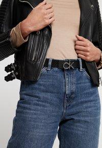 Calvin Klein - LOW BELT GIFTPACK - Belte - black - 1