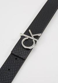 Calvin Klein - LOW BELT GIFTPACK - Belte - black - 4