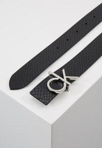 Calvin Klein - LOW BELT GIFTPACK - Belte - black - 2