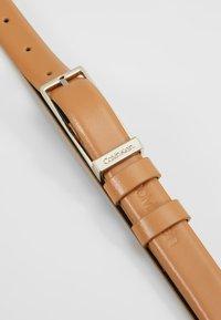 Calvin Klein - WINGED BELT - Belte - brown - 4