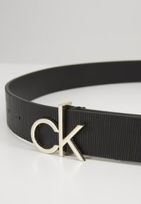 Calvin Klein - RE-LOCK LOW  - Ceinture - black - 2