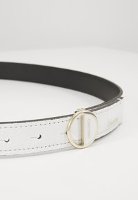 Calvin Klein - HOOP BELT - Pásek - white - 2