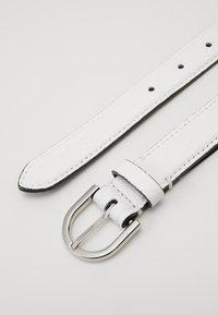 Calvin Klein - EVERYDAY FIX BELT  - Belte - white - 3