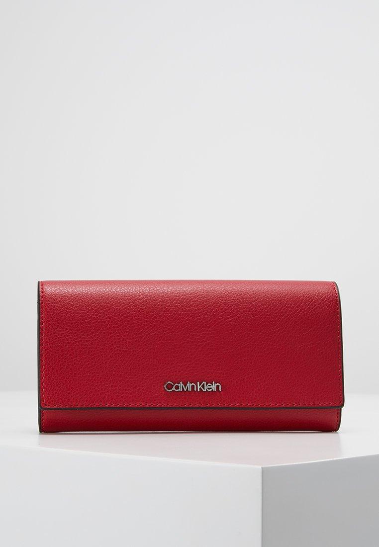 Calvin Klein - AVANT LARGE TRIFOLD - Portfel - red