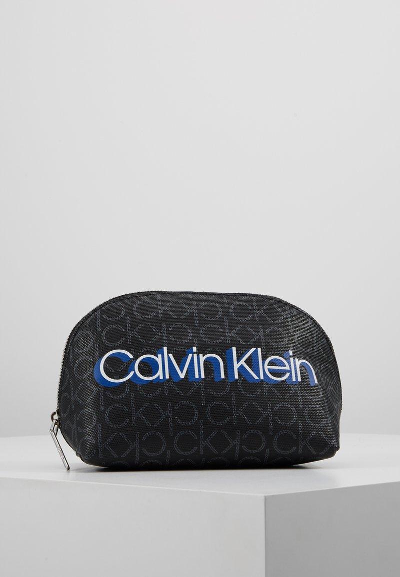 Calvin Klein - MONOGRAM MAKE UP BAG - Trousse de toilette - black