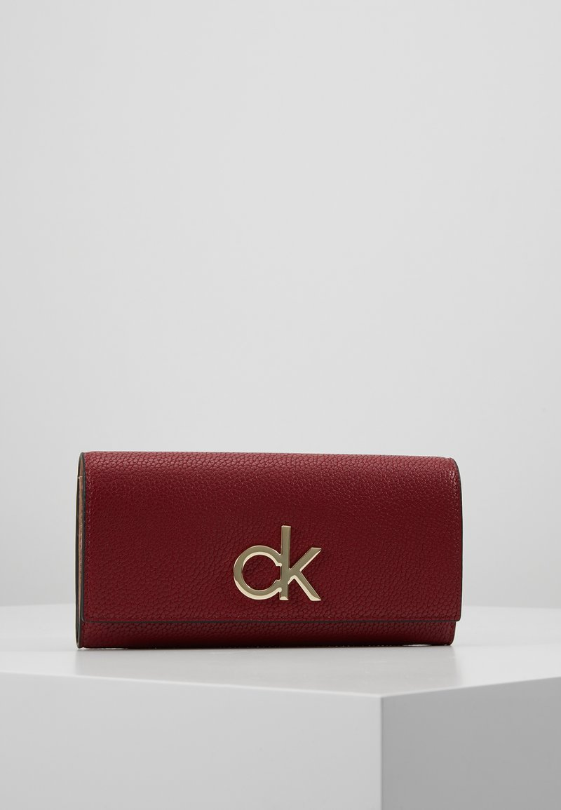 Calvin Klein - RE LOCK TRIFOLD - Portefeuille - red