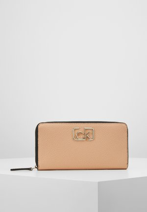 SIGNATURE ZIPAROUND - Wallet - brown