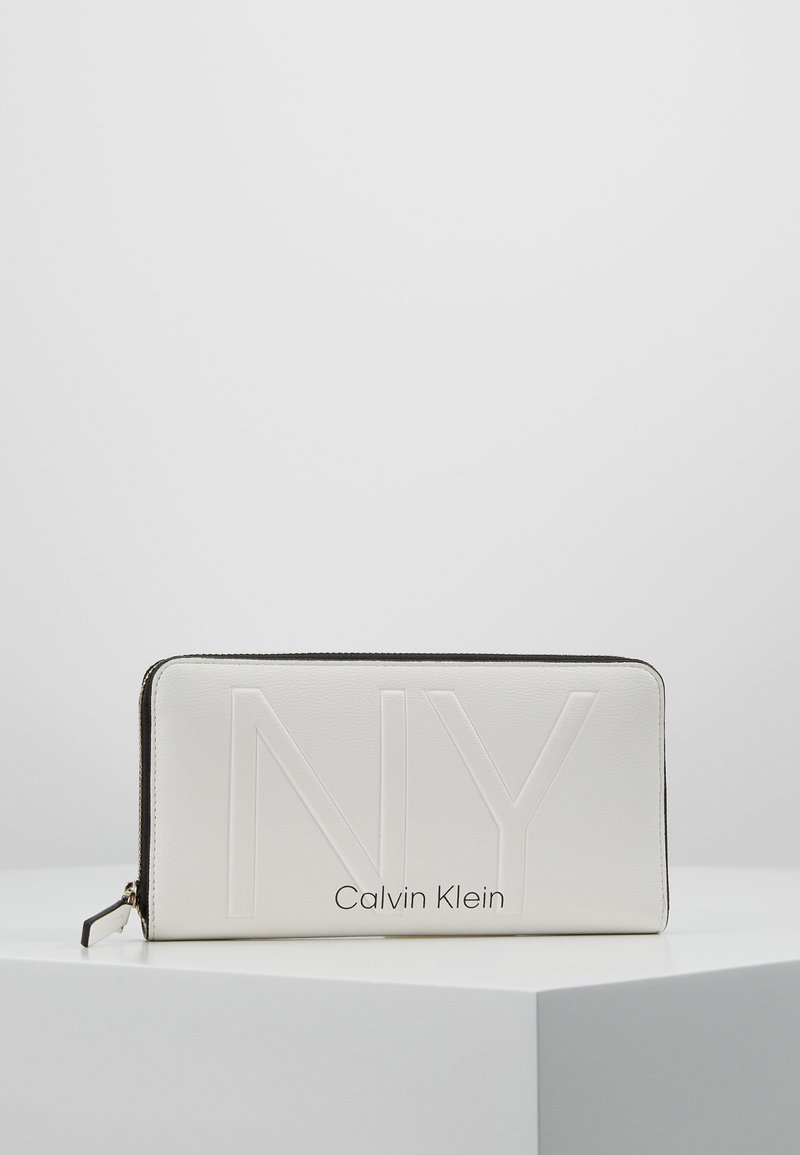 Calvin Klein - SHAPED ZIPAROUND - Monedero - white