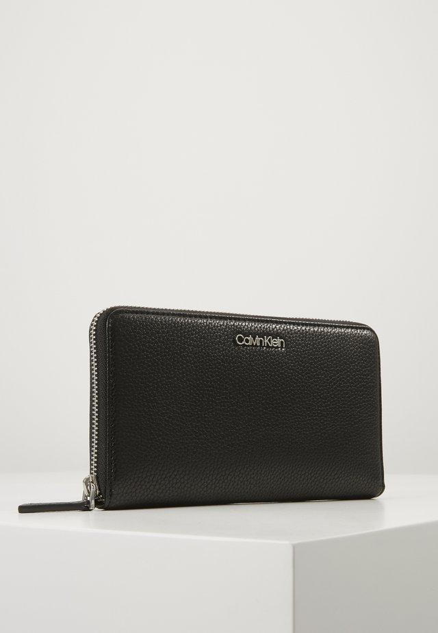 NEAT ZIPAROUND WALLET XL - Peněženka - black