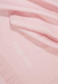 Calvin Klein - CLASSIC SCARF - Szal - pink - 2