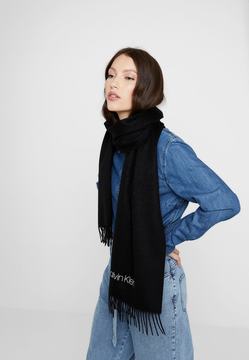 Calvin Klein - CLASSIC SCARF - Scarf - black