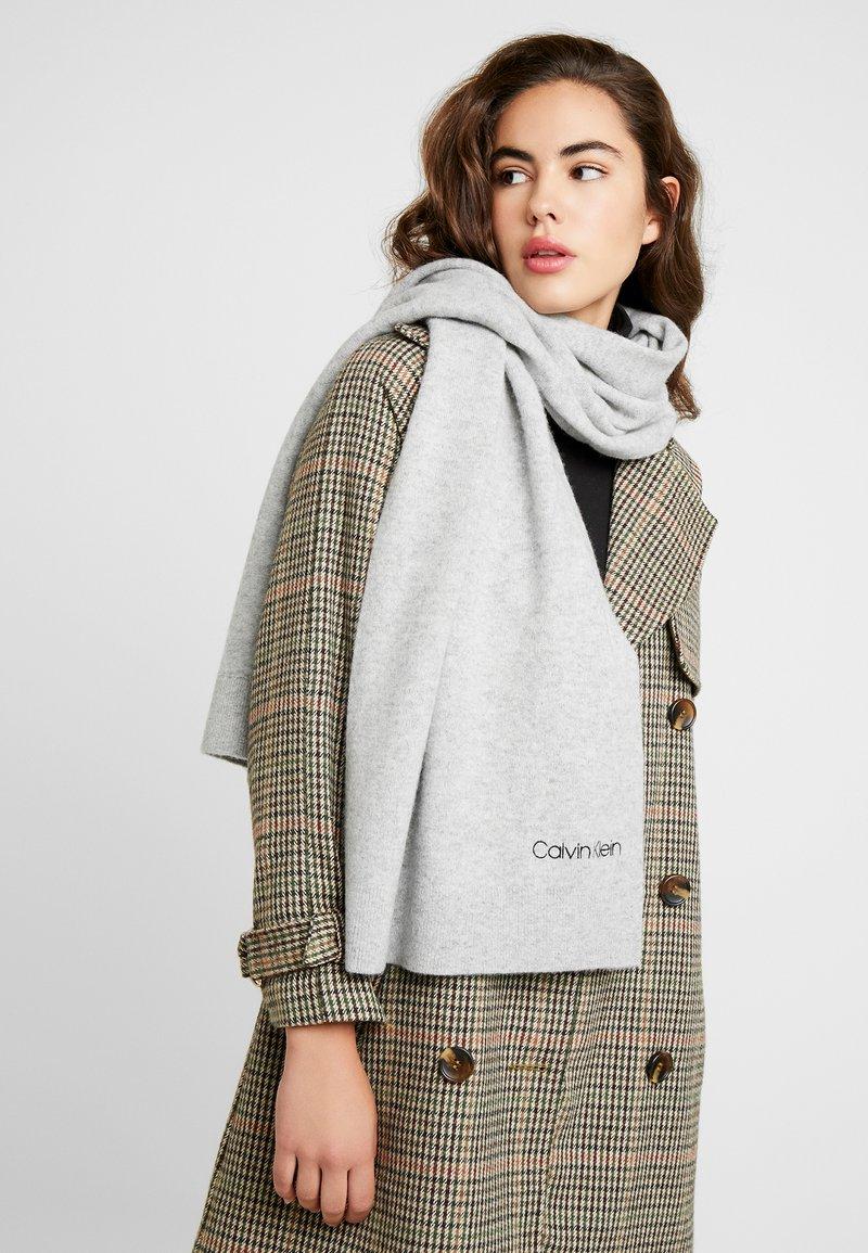 Calvin Klein - BOILED SCARF  - Halsduk - grey