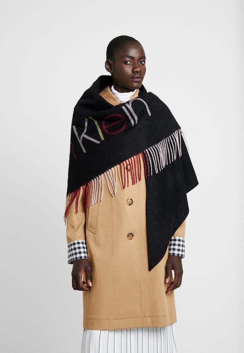 Calvin Klein - TRIANGULAR SCARF MULTI - Šátek - black