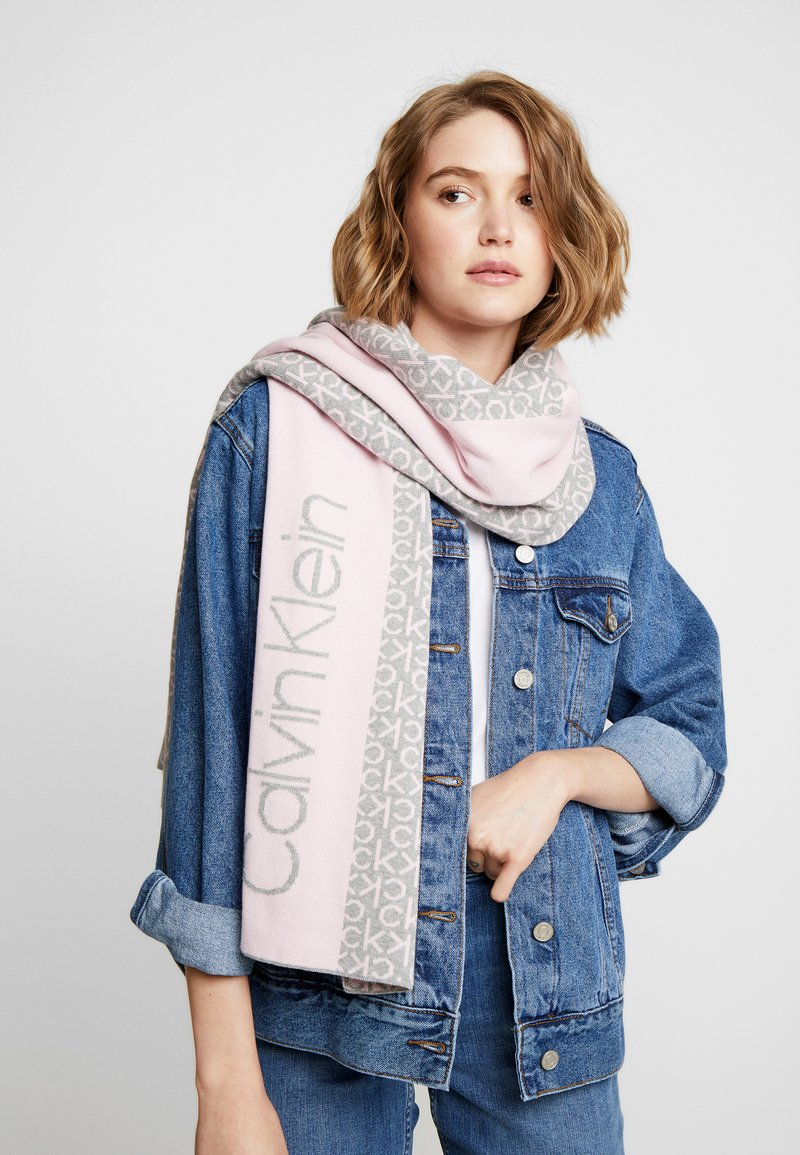 Calvin Klein - INDUSTRIAL MONO SCARF - Šála - pink
