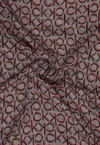 Calvin Klein - MONO SCARF - Tørklæde / Halstørklæder - red - 2