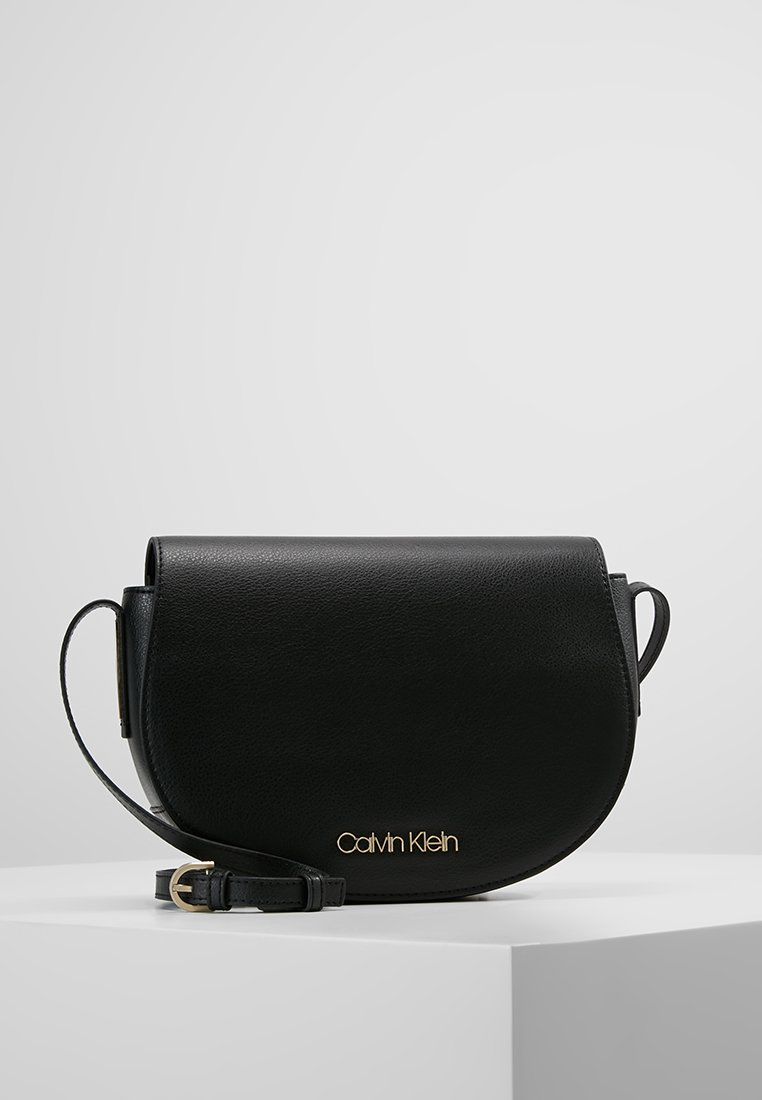 Calvin Klein - FRAME SADDLE - Schoudertas - black