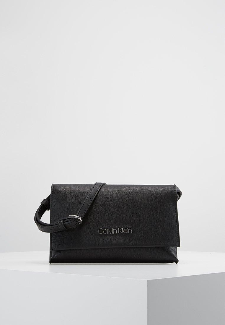 Calvin Klein - SNAP FLAP - Pochette - black