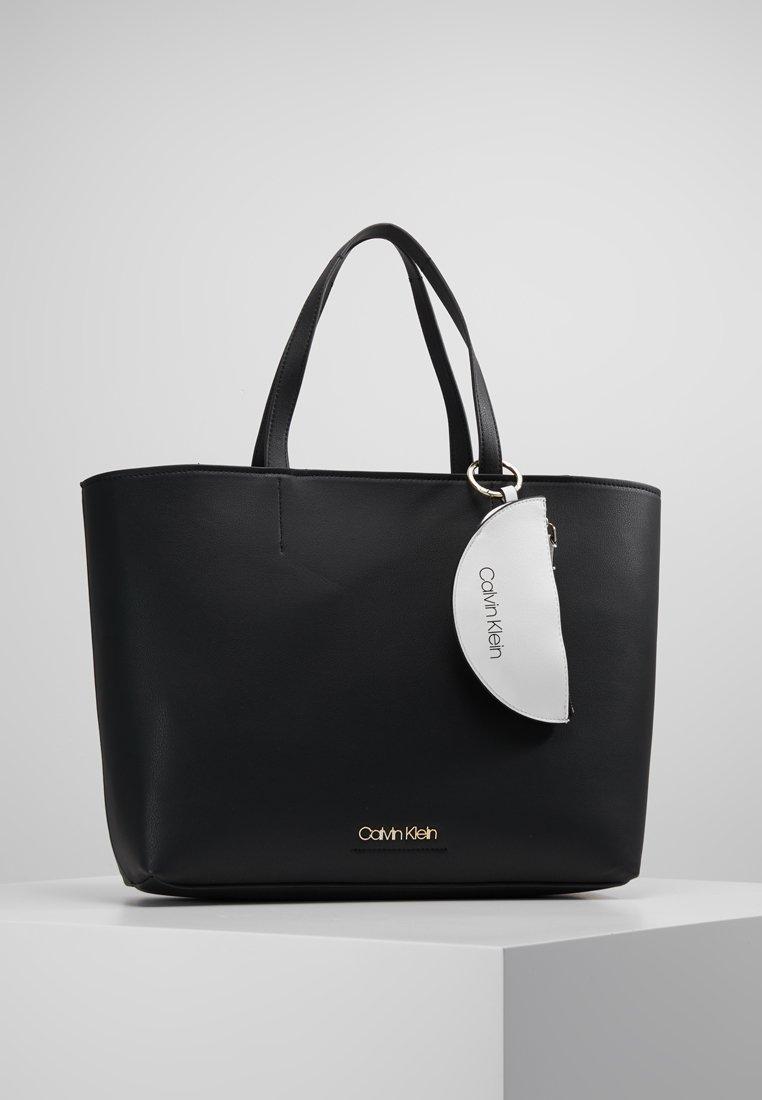 Calvin Klein - MUST LARGE SHOPPER - Tote bag - black