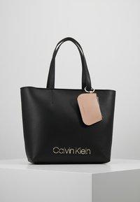 Calvin Klein - MUST - Bolso de mano - black - 0
