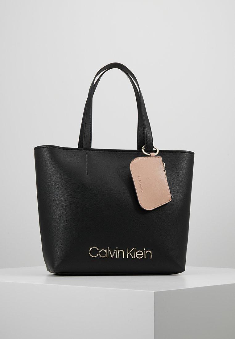 Calvin Klein - MUST - Bolso de mano - black