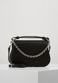 Calvin Klein - AMERICANA SHOULDER - Handtas - black - 0