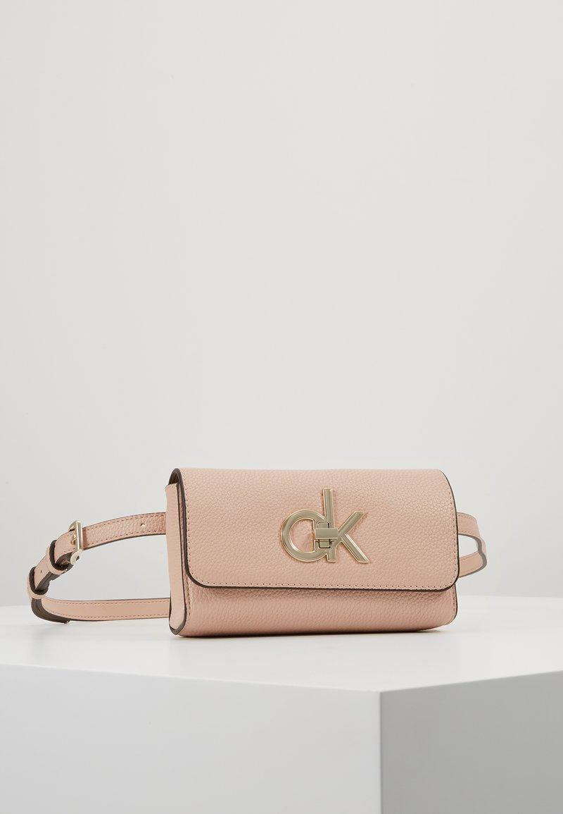 Calvin Klein - RE LOCK WAISTBAG - Saszetka nerka - pink
