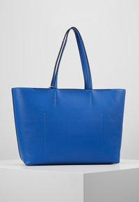 Calvin Klein - MUST SHOPPER SET - Kabelka - blue - 2