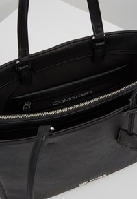 Calvin Klein - TASK - Velká kabelka - black - 4