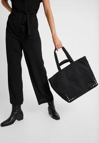 Calvin Klein - PRIMARY PSP20 SHOPPER ST - Tote bag - black - 1