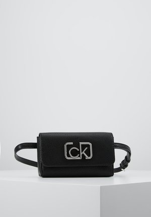 SIGNATURE BELTBAG - Ledvinka - black