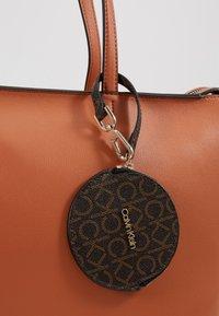 Calvin Klein - Handtasche - brown - 2