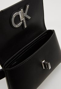 Calvin Klein - RE LOCK BELT BAG - Saszetka nerka - black - 5