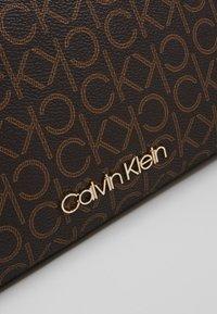 Calvin Klein - MONO CROSSBODY - Bandolera - brown - 2