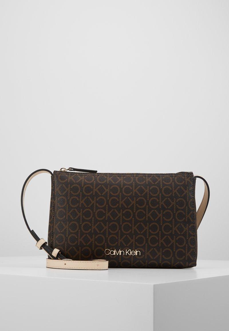 Calvin Klein - MONO CROSSBODY - Bandolera - brown