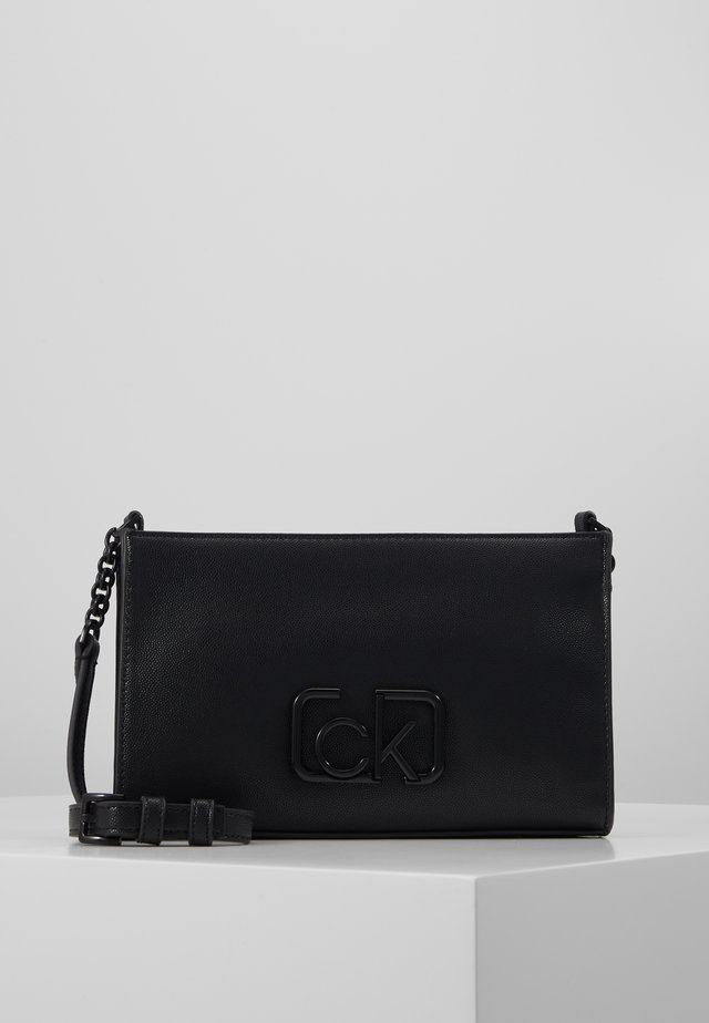 SIGNATURE CROSSBODY - Schoudertas - black