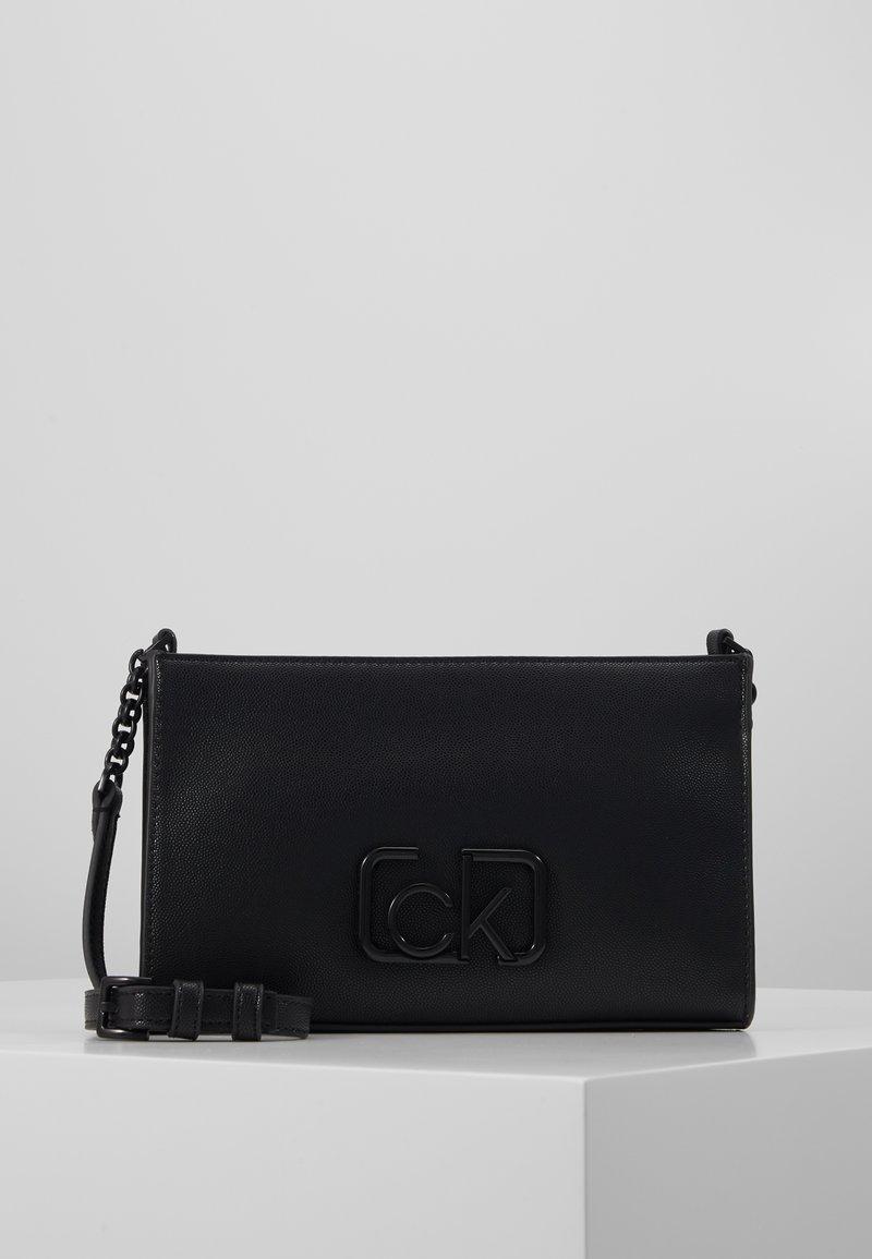 Calvin Klein - SIGNATURE CROSSBODY - Sac bandoulière - black