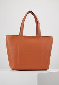 Calvin Klein - NEAT - Handtas - brown - 2