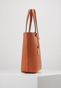 Calvin Klein - NEAT - Handtas - brown - 3