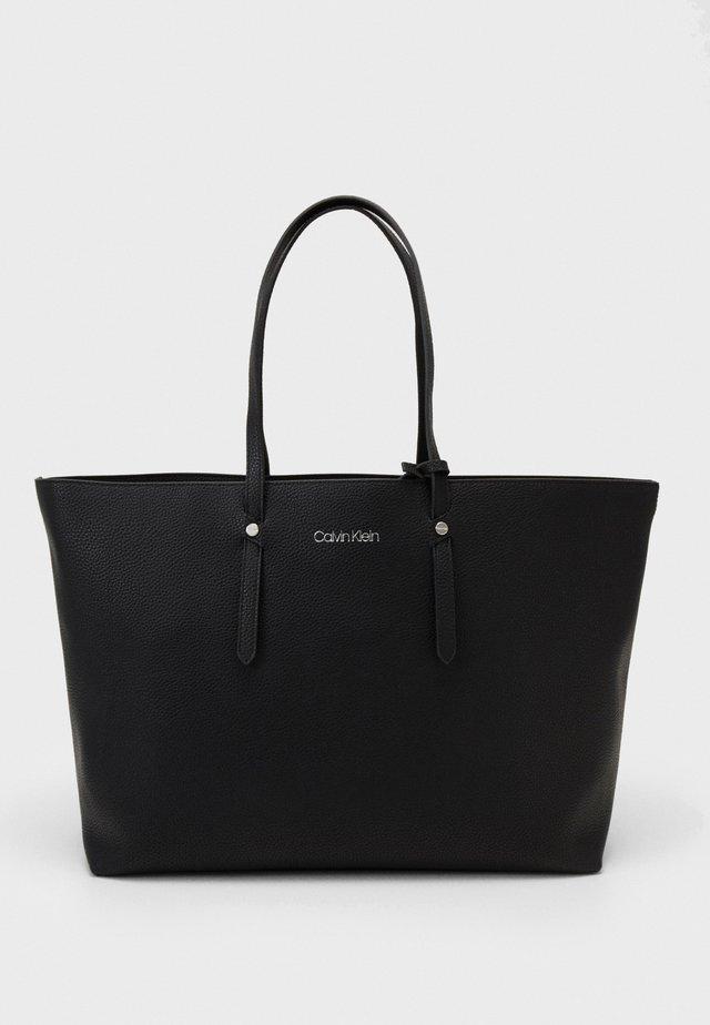 EVERYDAY OPEN SET - Shopper - black