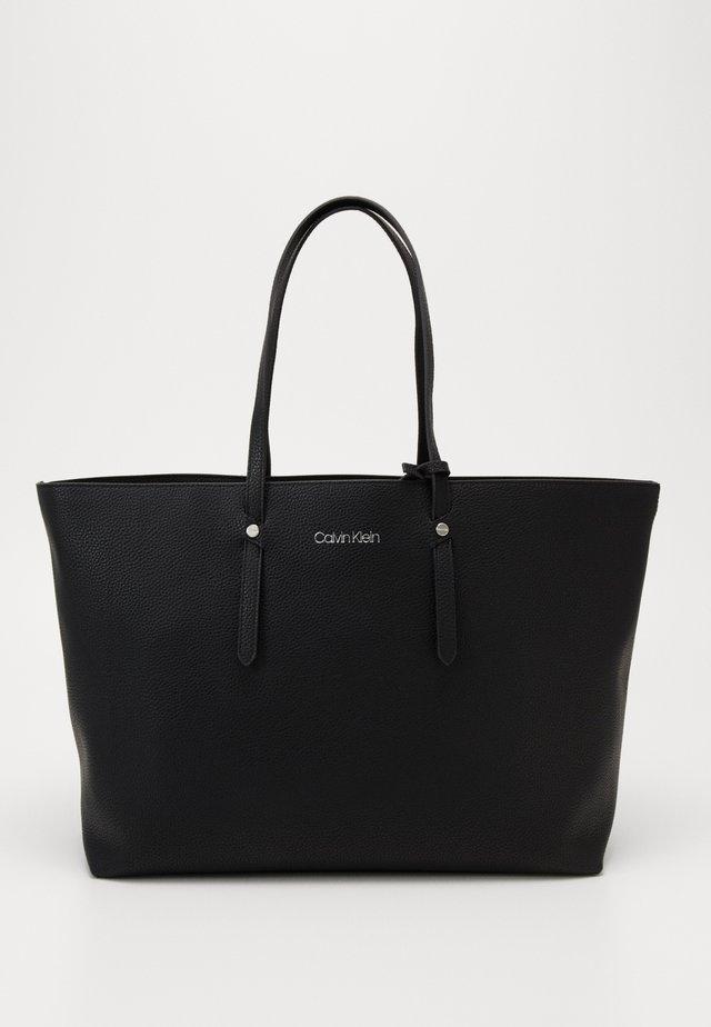 EVERYDAY SHOPPER OPEN SET - Shopping bag - black