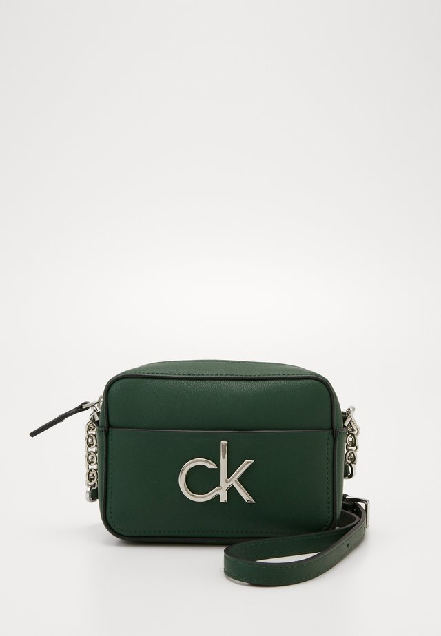 RE LOCK CAMERA BAG - Across body bag - green