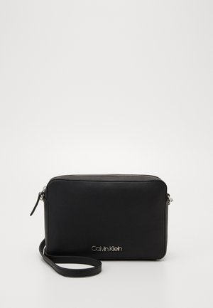 MUST CROSSBODY - Skuldertasker - black