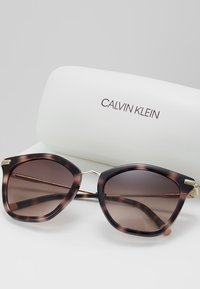 Calvin Klein - Sluneční brýle - rose/havana - 2