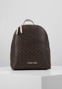 Calvin Klein - MONO BACKPACK  - Batoh - brown - 0