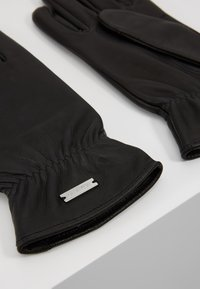 Calvin Klein - GLOVES GIFTPACK - Rękawiczki pięciopalcowe - black - 6
